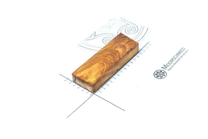 darlatener-moorkiefer-stabilisiertes-griffholz-messer-moorschmied